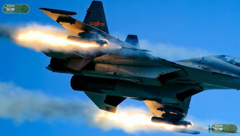 CR7RBIAM4T8E0001NOS Истребитель Су-30СМ нанес удар неуправляемыми ракетами