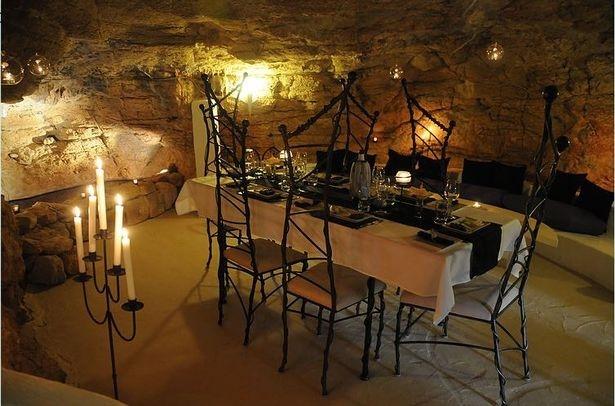 西班牙一居民家中竟藏有1.5亿年洞穴 - 周公乐 - xinhua8848 的博客
