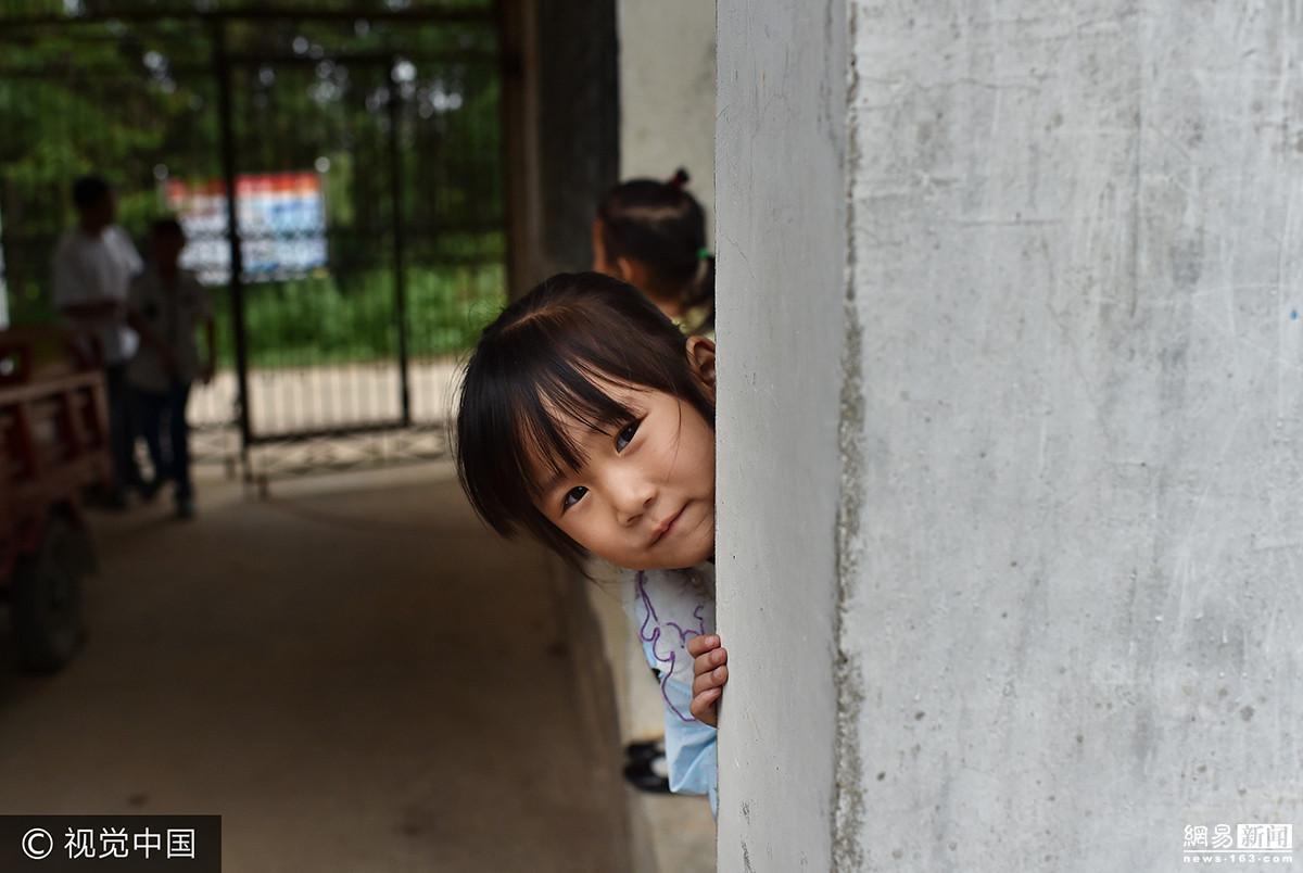 关于麻雀的儿童故事-麻雀和燕子 - 5068儿童网