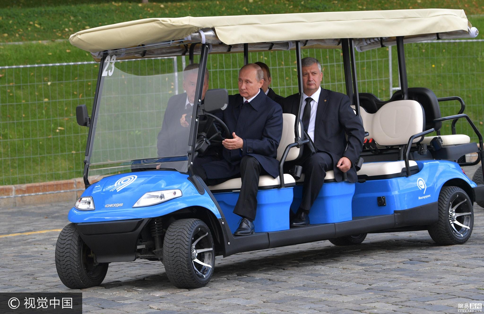 俄总统普京参观新开园公园 亲自开观光车 - 周公乐 - xinhua8848 的博客