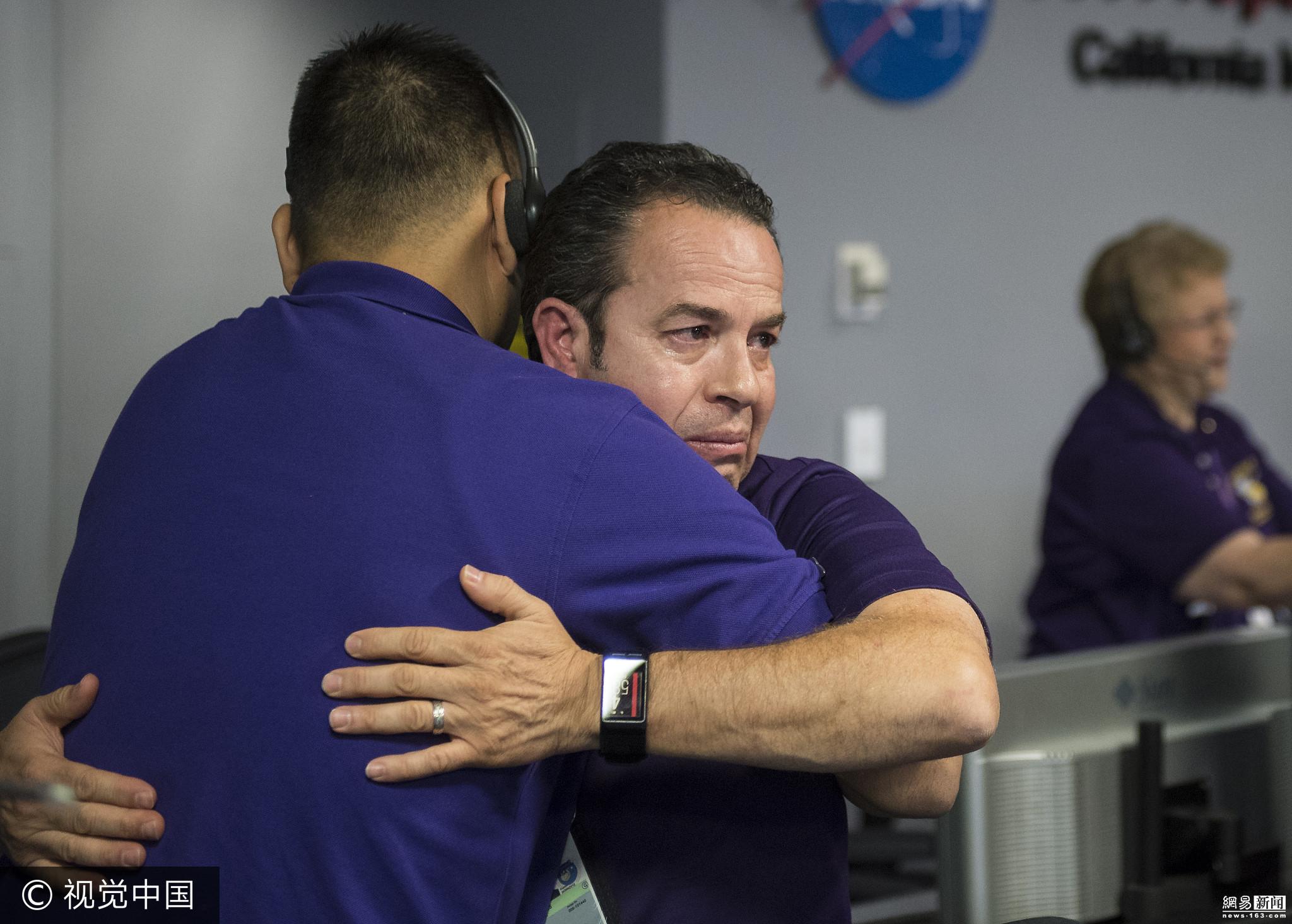 美国探测器坠入土星 指挥人员落泪欢呼 - 周公乐 - xinhua8848 的博客