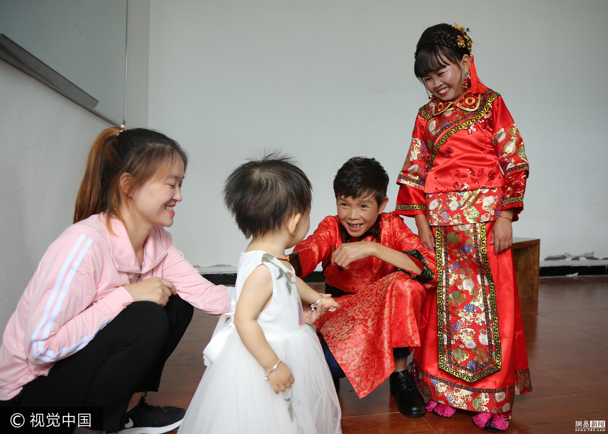 拥有10岁外表的袖珍老师终圆婚姻梦 - 周公乐 - xinhua8848 的博客