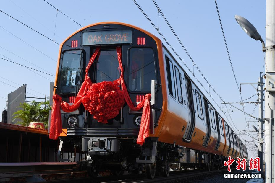 中国研制的首批美国波士顿橙线地铁车下线 - 周公乐 - xinhua8848 的博客