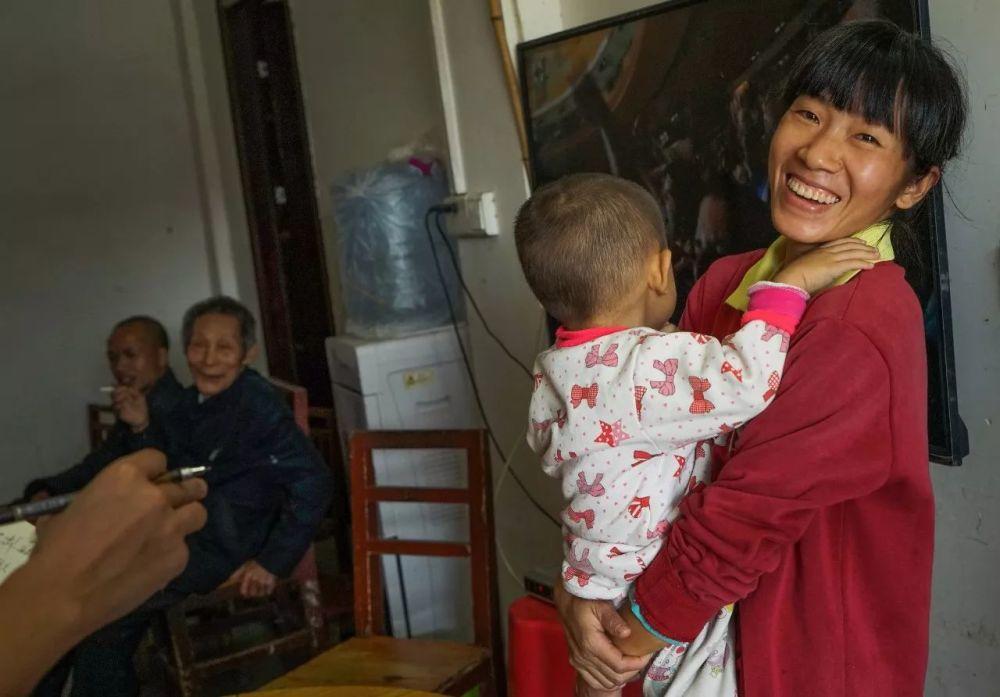 女子为报恩嫁大45岁医生 诞下一儿一女!!! - 周公乐 - xinhua8848 的博客