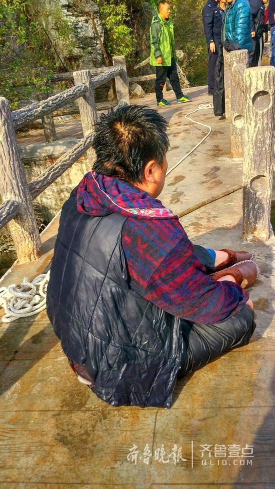 230斤重男子落水 六旬老父水中托举20分钟 - 周公乐 - xinhua8848 的博客