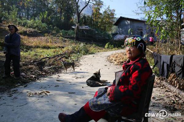 102岁母亲放不下72岁智障儿:好好活着 - 周公乐 - xinhua8848 的博客