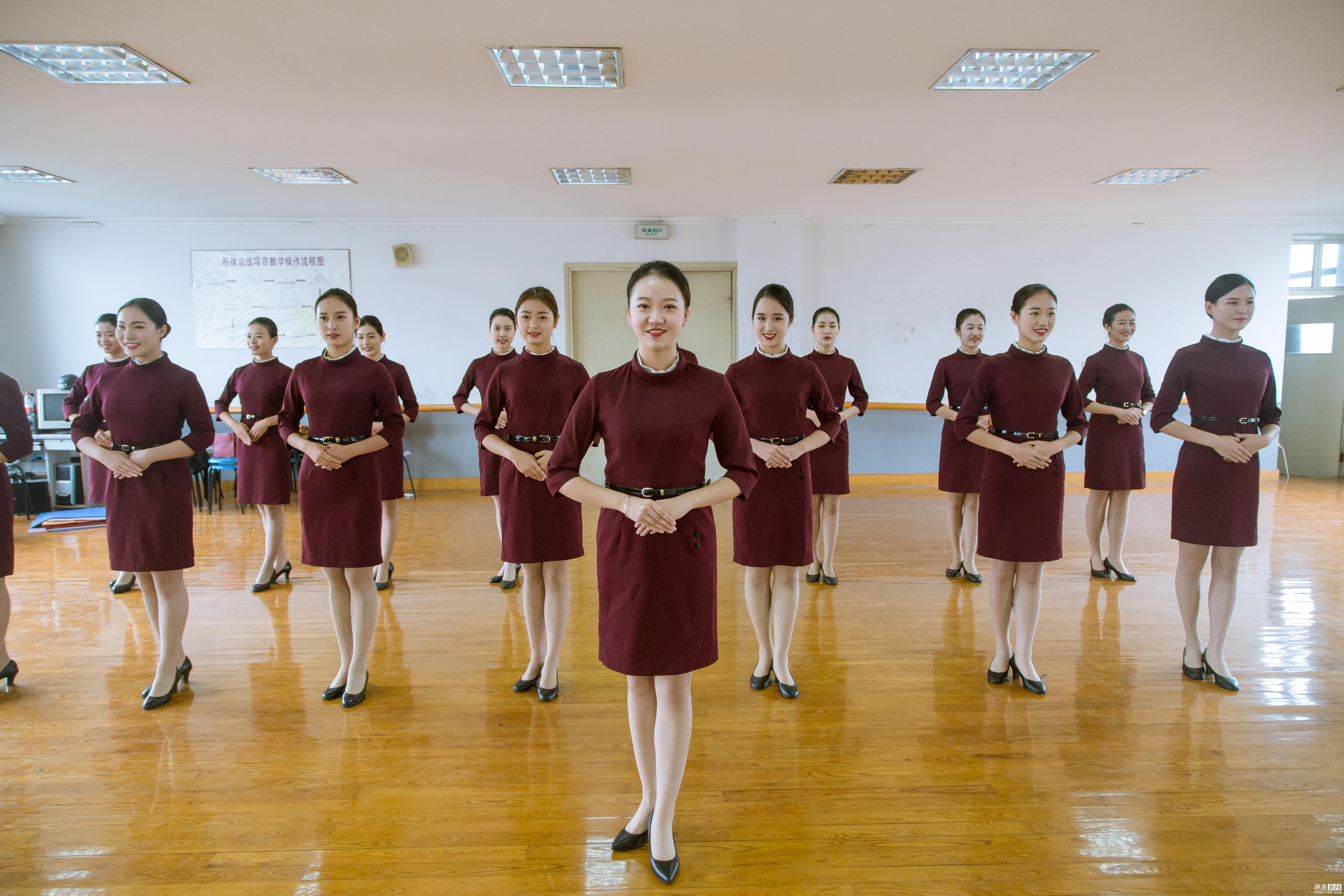 大学生志愿者礼仪训练备战互联网大会 - 周公乐 - xinhua8848 的博客