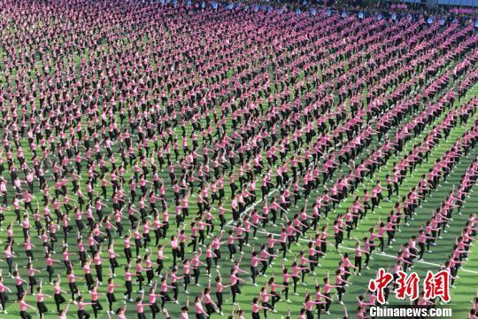 福建4814人随录像做健身操破世界纪录! -【医药前沿】的网易博客