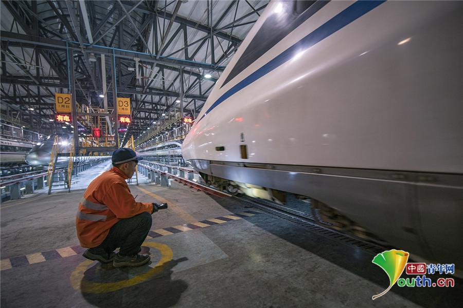 """日行千里的高速动车组 晚上这样""""休息""""! - 周公乐 - xinhua8848 的博客"""