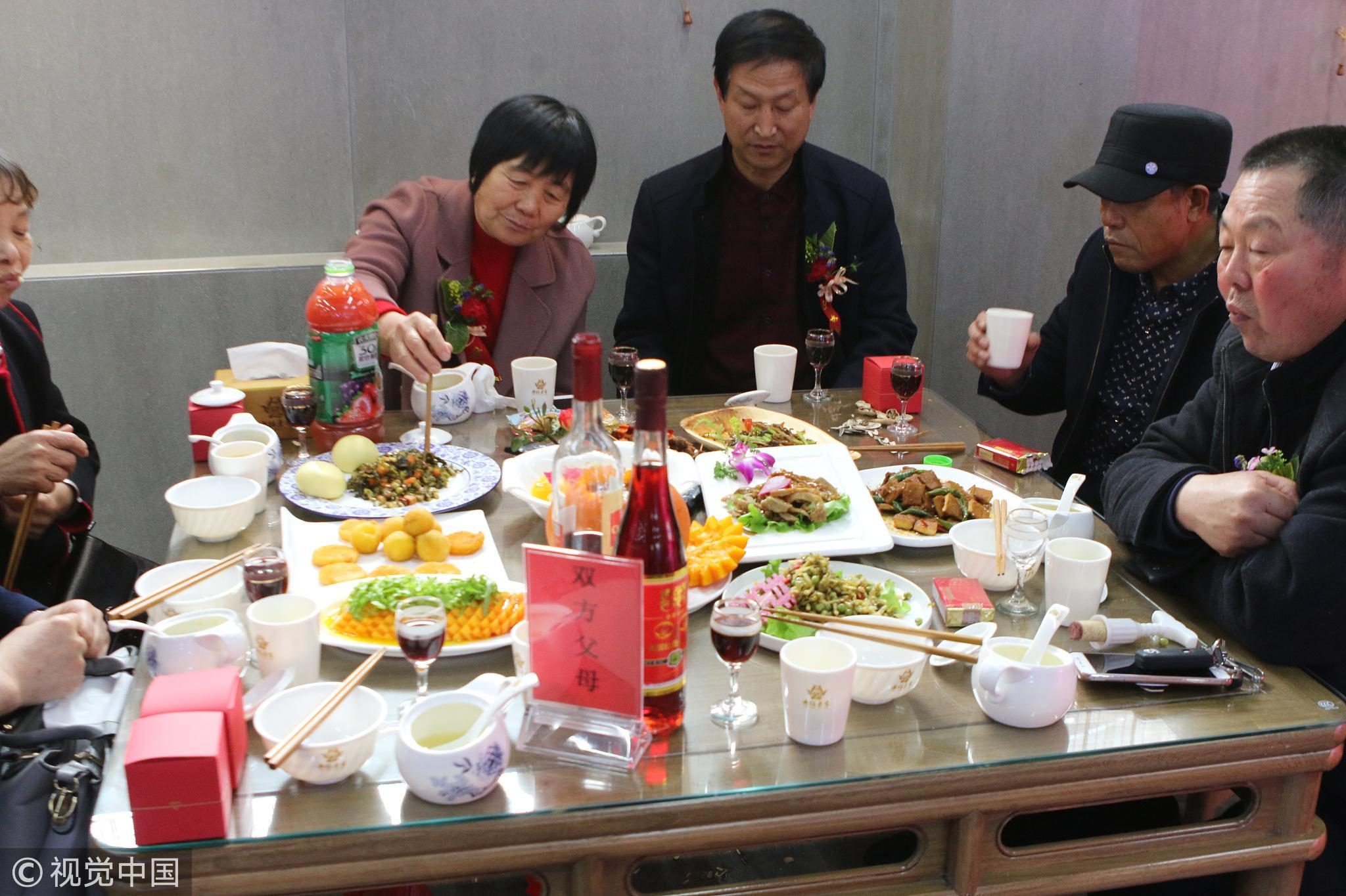 新婚夫妻婚礼:婚宴20道菜全是素食!!! - 周公乐 - xinhua8848 的博客