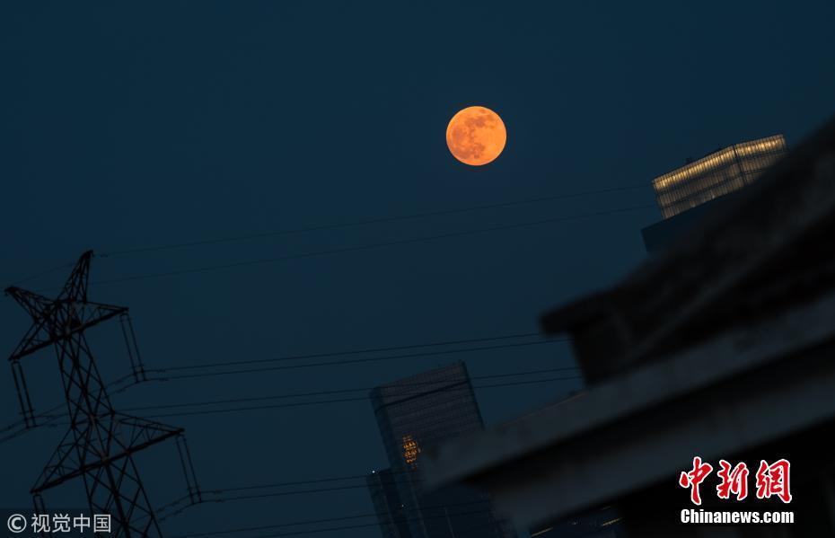 本世纪最长月全食来临 各地天空挂红月! - 周公乐 - xinhua8848 的博客