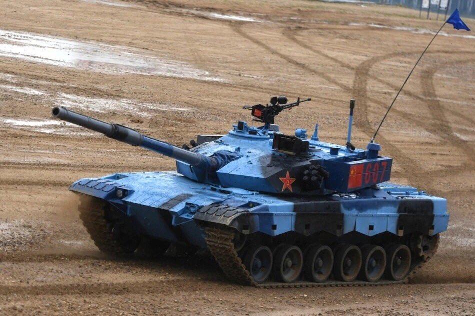 消防涂装再见!参赛96B坦克换上蓝迷彩涂装