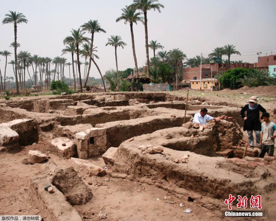 埃及出土一座巨型建筑遗址 含有大型澡堂! - 周公乐 - xinhua8848 的博客