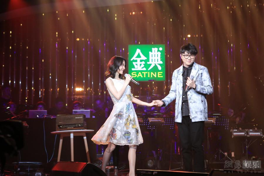 """Jessie J成""""歌手""""首位外籍歌王 汪峰:实至名归李亚鹏晒截图否认关天朗父亲"""