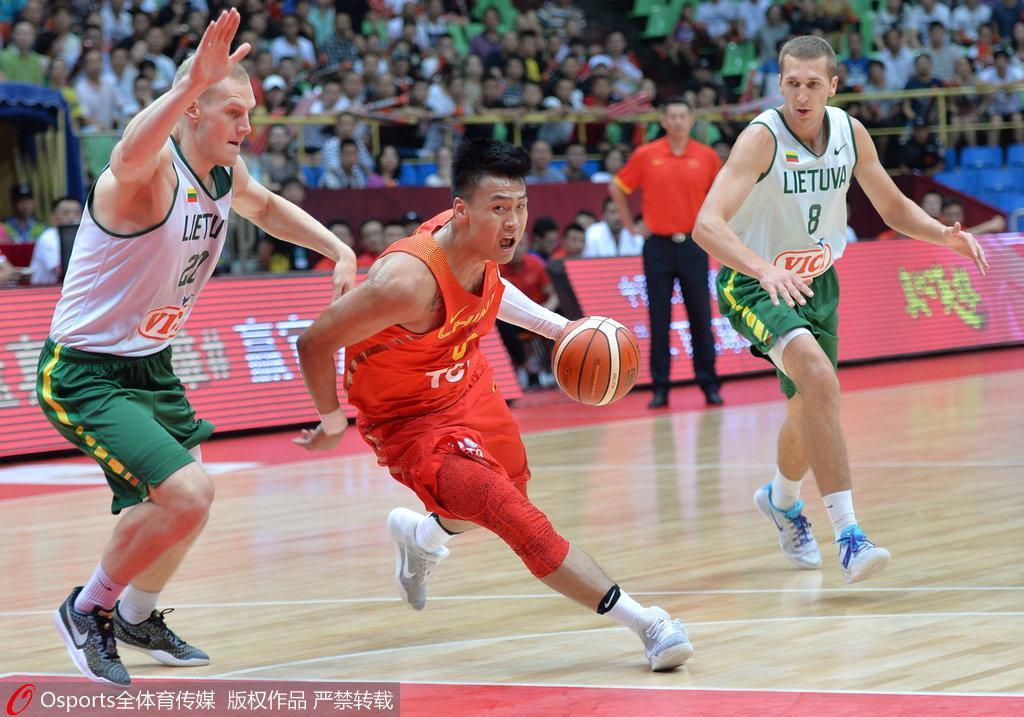 中国男篮公布世预赛名单 三粤将入选周琦缺席
