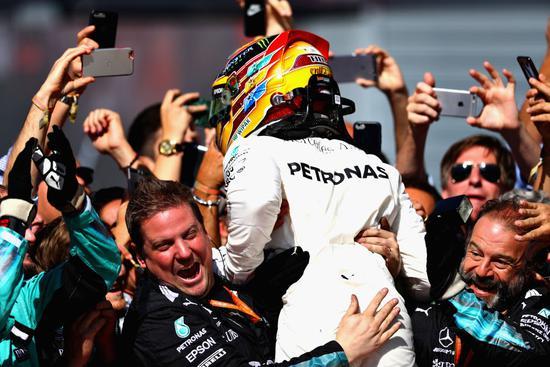 F1车队积分:年度前三尘埃落定 中游车队争夺激烈