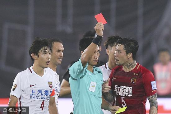 马宁傅明领衔中国裁判组吹罚亚冠决赛 或再吹亚洲杯