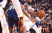 NBA季前赛:勇士102-108掘金