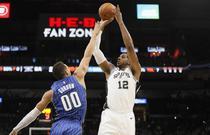 NBA季前赛:马刺98-103魔术