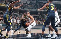 NBA常规赛:篮网131-140步行者