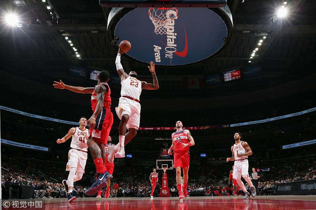 年輕人要奪權,都說我老了?新季首個50+老詹先拿為敬(影)-黑特籃球-NBA新聞影音圖片分享社區