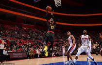NBA常规赛:老鹰104-111活塞