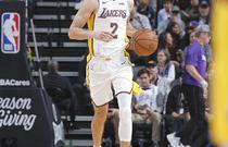 NBA常规赛:湖人102-113国王