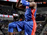NBA常规赛:马刺96-93活塞