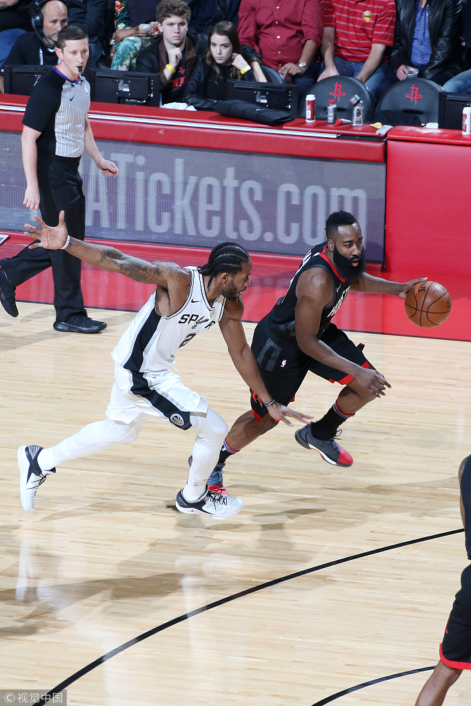 可愛僅打17分鐘下半場休戰,9投5中拿12+4,血帽大鬍子霸氣十足!(影)-Haters-黑特籃球NBA新聞影音圖片分享社區