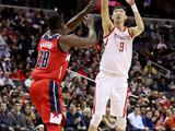 NBA常规赛:火箭103-121奇才