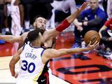 NBA常规赛:勇士127-125猛龙