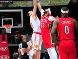 NBA常规赛:鹈鹕93-94老鹰