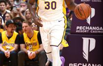 NBA常规赛:尼克斯107-127湖人