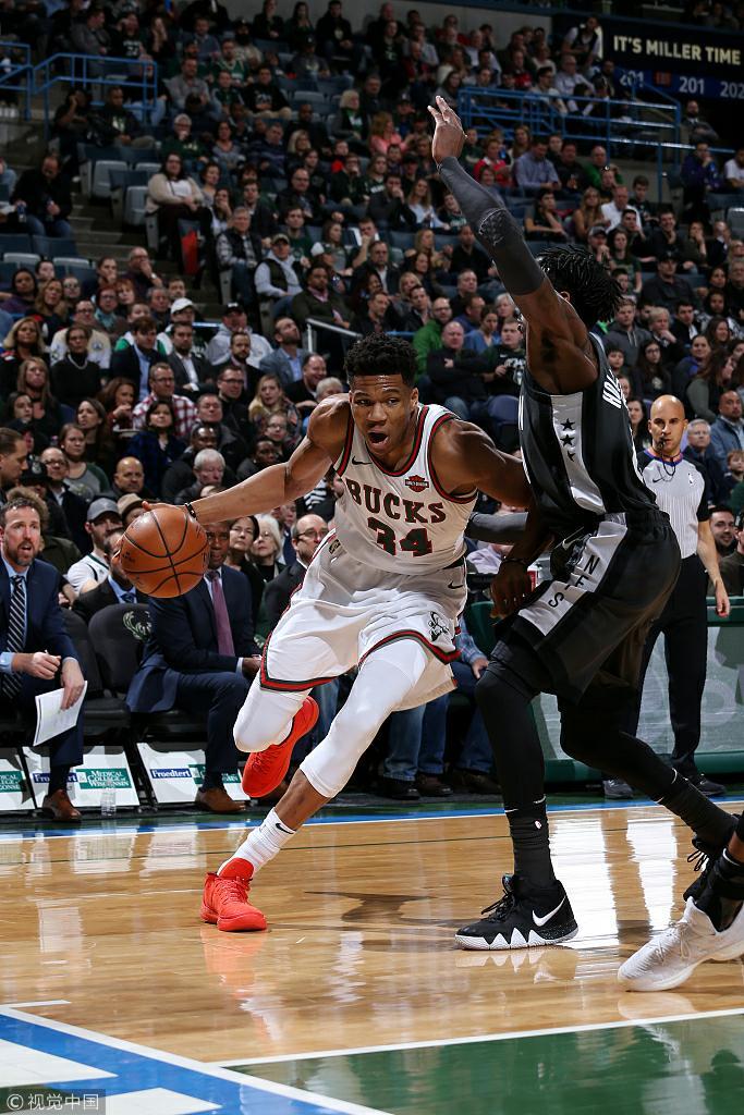 NBA常规赛:篮网91-116雄鹿
