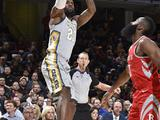 NBA常规赛:火箭120-88骑士