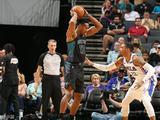 NBA常规赛:76人119-102黄蜂
