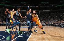 NBA常规赛:爵士121-97森林狼