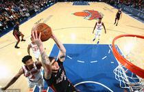 NBA常规赛:热火98-122尼克斯