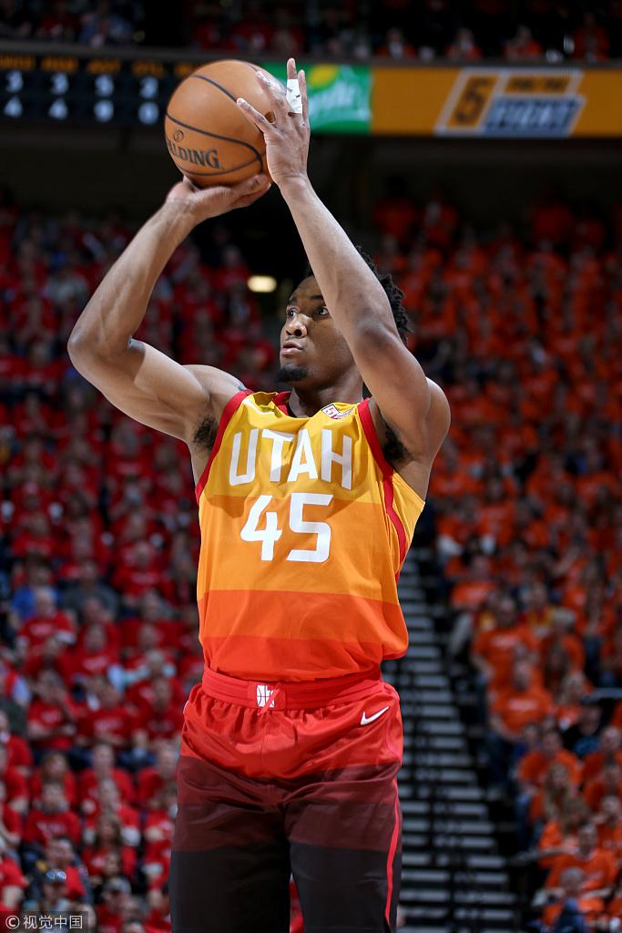Mitchell季後賽連續3場20+,還秀超車上籃,他的極限究竟在哪?(影)-Haters-黑特籃球NBA新聞影音圖片分享社區