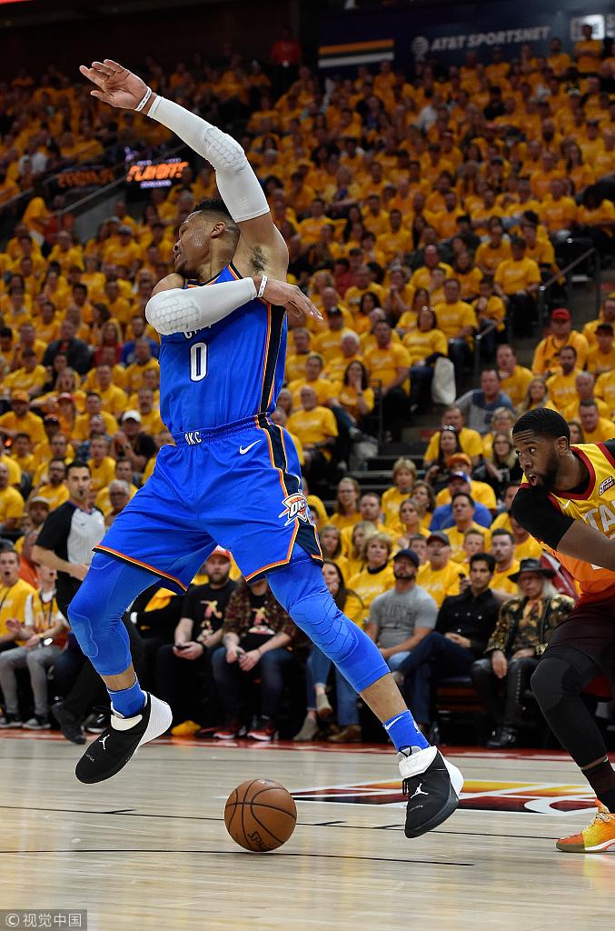 威少14+11+9+8尷尬准大四喜!頻頻抱怨?球迷:塞個奶嘴吧你!(影)-黑特籃球-NBA新聞影音圖片分享社區