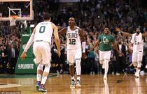 NBA季后赛次轮:凯尔特人114-112胜76人