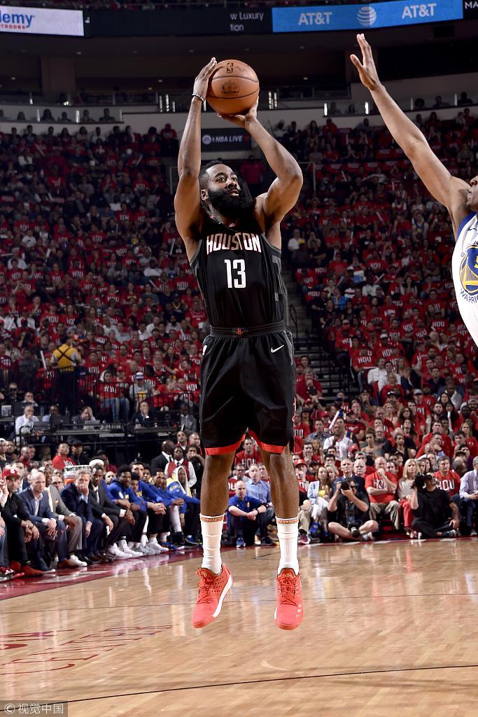 哈登41+7成NBA首人总分超AI 拼到极致仍不敌勇士