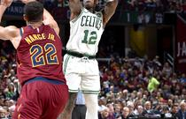 NBA季前赛:骑士113-102凯尔特人