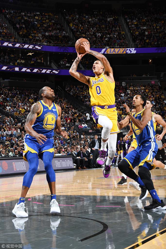 NBA季前赛:勇士113-123湖人