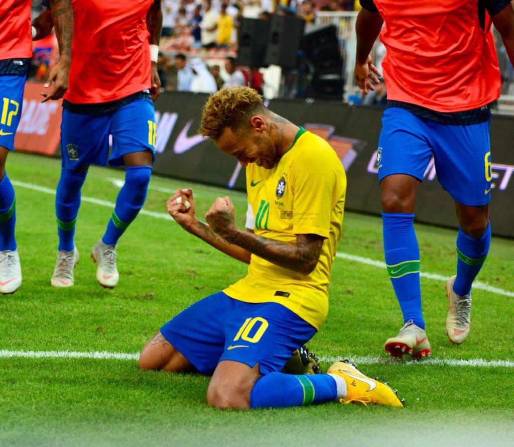 巴西1-0阿根廷 内马尔助攻米兰达绝杀