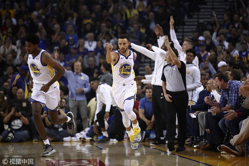 自稱處在「巔峰期」的Curry轟下32+8+9 生死時刻為杜蘭特創造好機會!(影)