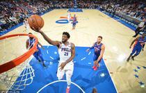 NBA常规赛:76人109-99活塞