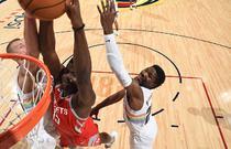 NBA常规赛:火箭109-99掘金