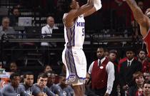 NBA常规赛:火箭132-112国王