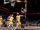 NBA常规赛:湖人110-115篮网